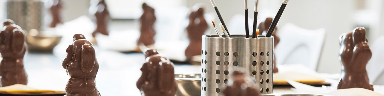 Decorate Chocolate Figures Butlers Experience