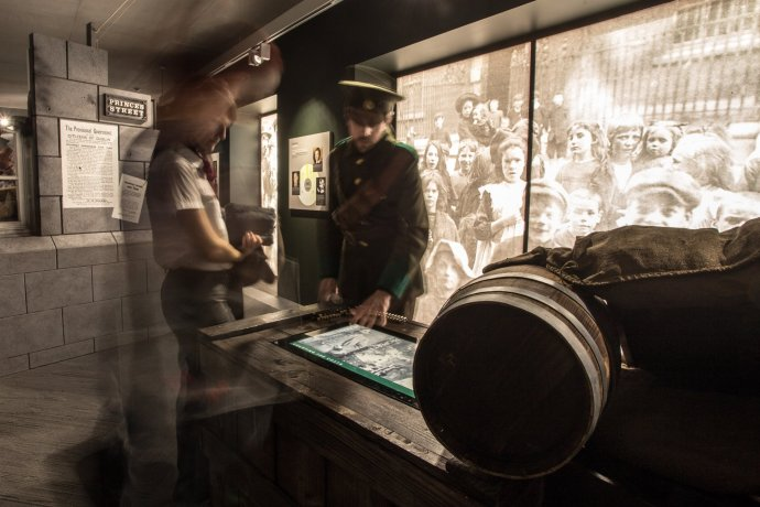 Modern technology, like touchscreens and audio-visual-booths let 1916 come to life at the GPO