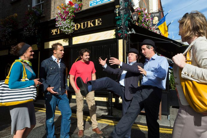 Dublin Literary Pub Crawl With Entertaining Tour Guides