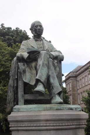 Statues of famous people who studied or taught at Trinity College can be seen all over the campus