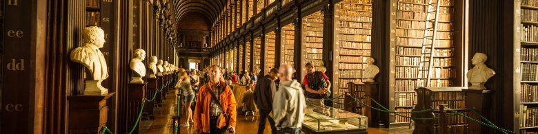 Tourists at the Old Library in Dublin - Trinity College Tour