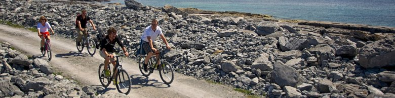 Guided group in Aran Islands - cycling in Inis Oirr