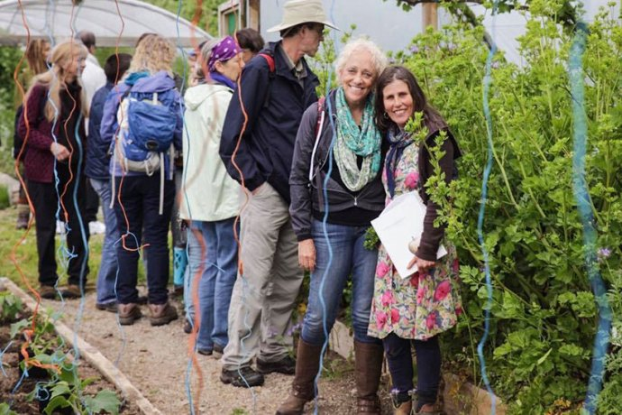 Group Tour enjoying outdoors horticulture