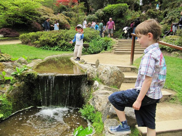 Mini waterfall in Japanese gardens - Family Tours