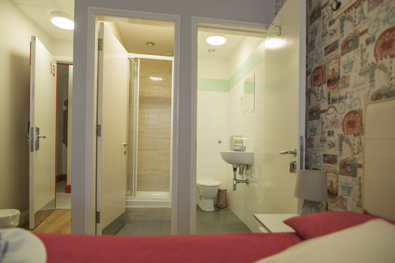 Ready for Tourists Room with Ensuite Bathroom and Toilet in Hostel